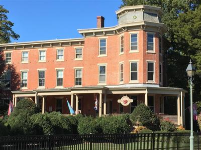 GOVERNORS CLUB FRONT SOUTH VIEW