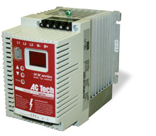 LENZE 3HP SCM VFD 200-240V 1PH INPUT SM230S